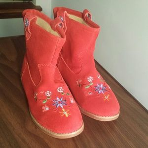Hanna Anderson boots 4 red suede